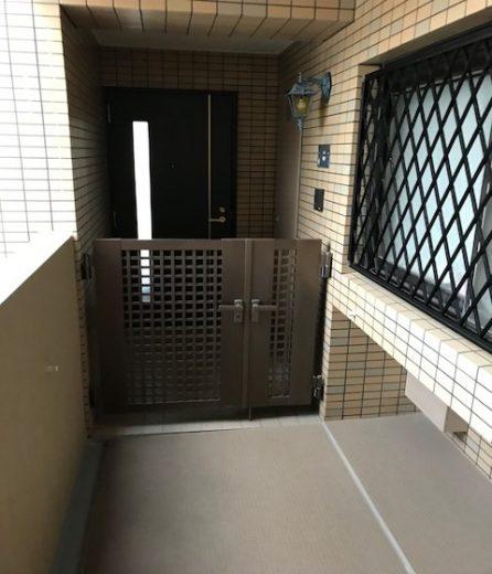 玄関ポーチ(玄関)